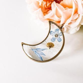 Кулон луна с незабудкой, васильком и ромашкой