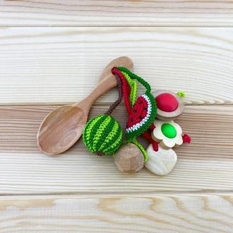Грызунок-ложка из можжевельника (погремушка) - арбуз