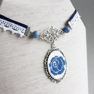 Голубой колье чокер на ленте Сине белый чокер с агатом для невесты