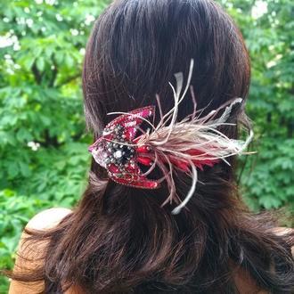 Заколка для волос птичка с перьевым хвостом