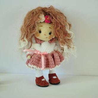 Коллекционная кукла в вязаном платье в замшевой обувке