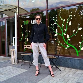 РАСПРОДАЖА коллекции 2020! Черная льняная блузка с кружевом и деревянными пуговицами