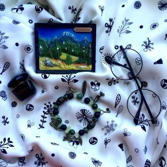 Зелено-черный браслет из полудрагоценных камней с подвесками