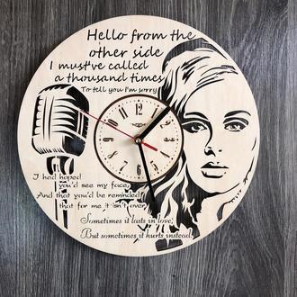 Оригинальные настенные часы «Адель»