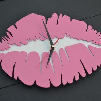 Деревянные настенные часы, часы-губы, Часы настенные, настенные часы из дерева, часы в салон красоты