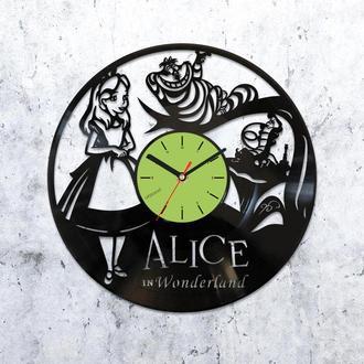 Часы из виниловой пластинки,Виниловые часы Алиса в Стране Чудес