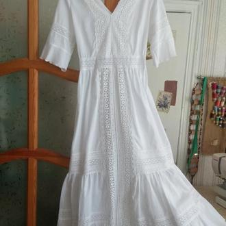 Платье из хлопка и кружева