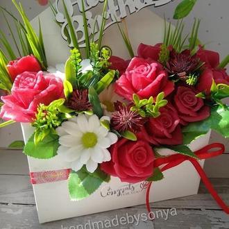Букет роз и ромашек