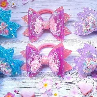 Бантики-шейкеры из экокожи цветные