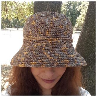 Приголомшлива капелюшок з рафії