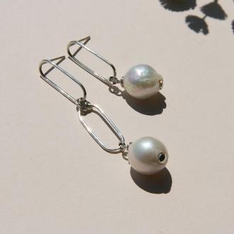 Серебряные серьги с жемчугом, сережки с жемчугом барокко, длинные серебряные серьги