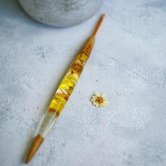 Крючек для вязания, плести крючком, с ручкой из дерева и живых цветов, подарок маме, бабушке,
