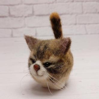 Игрушка валяная кот. Фигурка кота. Копия домашнего животного. Копии котов. Полосатый кот