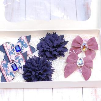 Набор украшений в темно-синем и розовом цвете