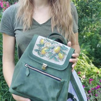 Зеленый кожаный рюкзак среднего размера с ручной росписью лимоны