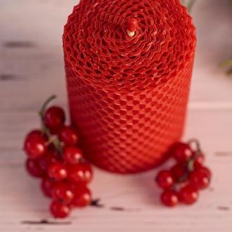 Декоративная Красная ЕКО свеча из вощины.отличный медовый подарок .