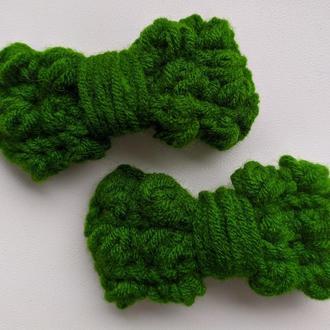 Бант-заколка вязаний