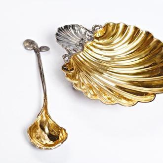 Серебряная посуда для икры с ложечкой