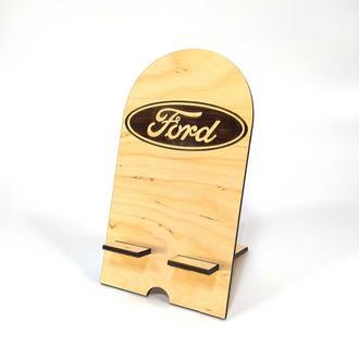 Подставка держатель для мобильного телефона смартфона Ford Мастерская мистера Томаса 18х10см Фанера