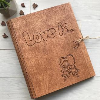 Деревянный альбом для фото и записей «Love is»