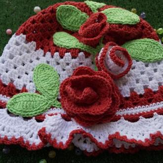 Панама для девочки с красными розами.