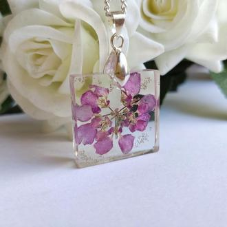 Кулон с розовым цветком