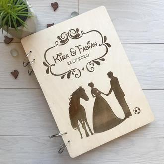 Свадебный фотоальбом в деревянной обложке с гравировкой