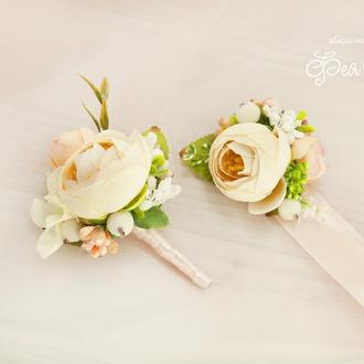 Бутоньерки для свидетелей / Пудровые бутоньерки / Цветы для свадьбы кремовые / Персиковые цветы