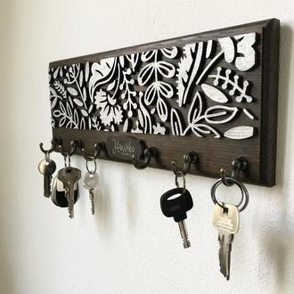 Ключница из дерева SMITH Should Buy Wood с узором Именная 13х32 см Серебряная