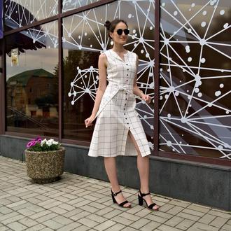 Летнее платье из натурального льна в деловом стиле