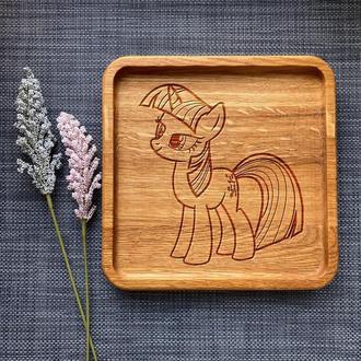 """Тарелка """"My little pony"""" из дуба с гравировкой 4"""