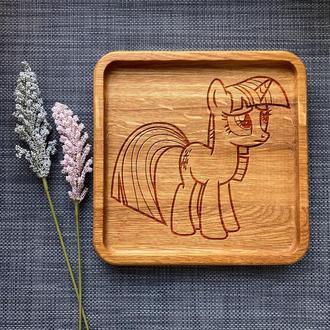 """Тарелка """"My little pony"""" из дуба с гравировкой 34"""