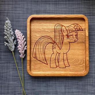 """Тарелка """"My little pony"""" из дуба с гравировкой 36"""