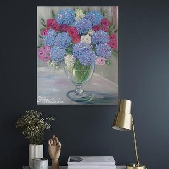 Букет с гортензиями и розами