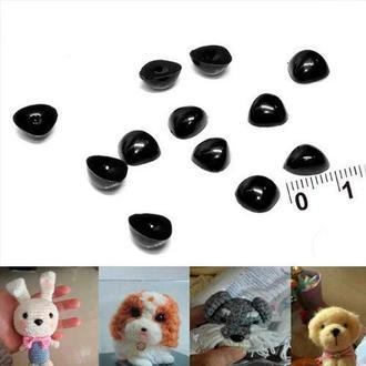 Пластиковый маленький носик для игрушек 8х6мм