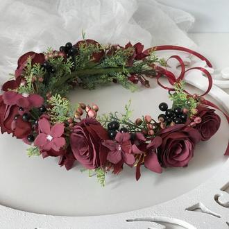 Вінок з бордовими трояндами.Венок с бордовыми розами.