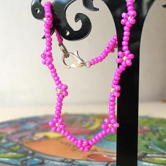 Розовый бисерный браслет, браслет из бисера, фенечка из бисера, цветочный браслет