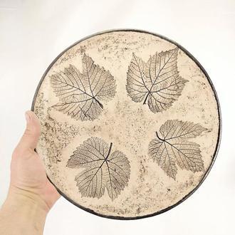 Большая глянцевая песочная керамическая тарелка ручной работы, 28 см диаметр, арт.№41