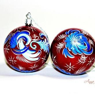 Набор из двух ёлочных шаров с  росписью