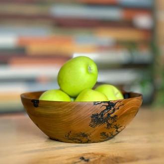 Деревянная миска из ореха
