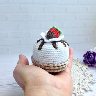 Пироженка крючком Клубника в шоколаде,6 на 8 см