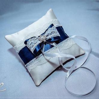 Подушка для обручок на весілля