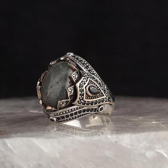 Мужское кольцо с камнем Турмалин Параиба гравировка тиснение ручной работы