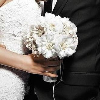 Букет нареченої із брош