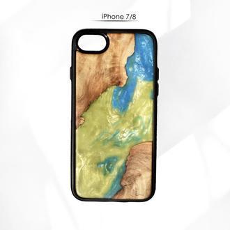 Чехол для iPhone 7/8 из натурального дерева с рекой из эпоксидной смолы