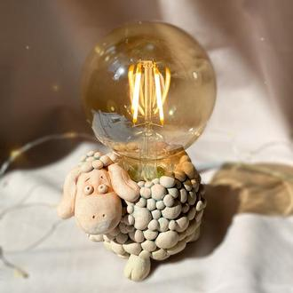 Нічник Настільний керамічний світильник ручної роботи з лампою Едісона овечка