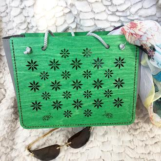 Оригинальная упаковка подарка. Зеленая сумочка пакет. Мини сумочка. Сумочка шоппер.