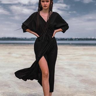 Черное платье из льна ниже колена