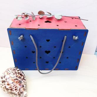 Коробочка-сумочка с крышкой и ручками. Деревянная коробочка-сумочка для упаковки подарков