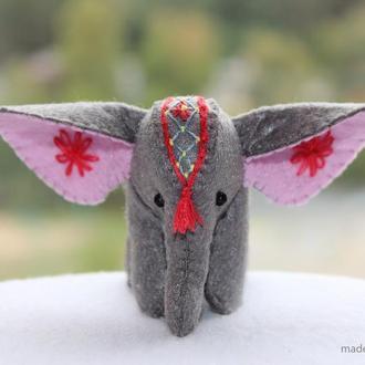 Игрушка сувенир серый слон из фетра с вишивкой, мини слоник